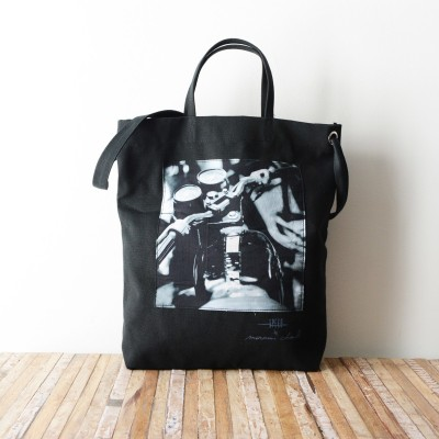Photo de notre Tote Bag en coton MOTO par Monsieur Charli