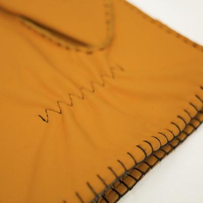 Photo de notre Gants en cuir HAYMERIC imprimé par Monsieur Charli