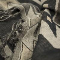 Photo de notre Poncho en laine ALPHONSE olive par Monsieur Charli