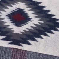 Photo de notre Echarpe tricotée KALO par Monsieur Charli